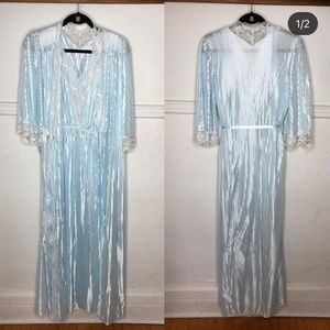 Vintage robe and night gown set